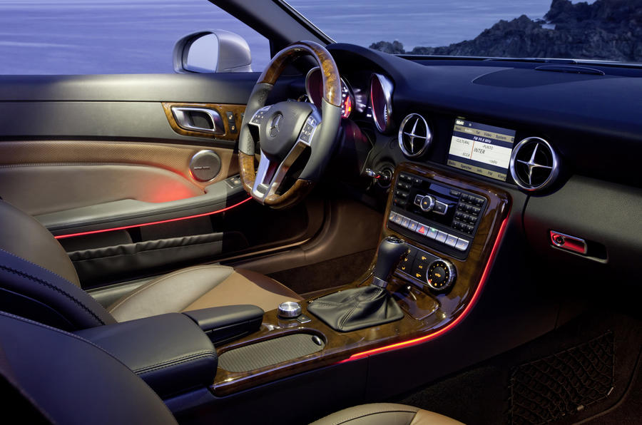 Mercedes-Benz SLK 200 interior