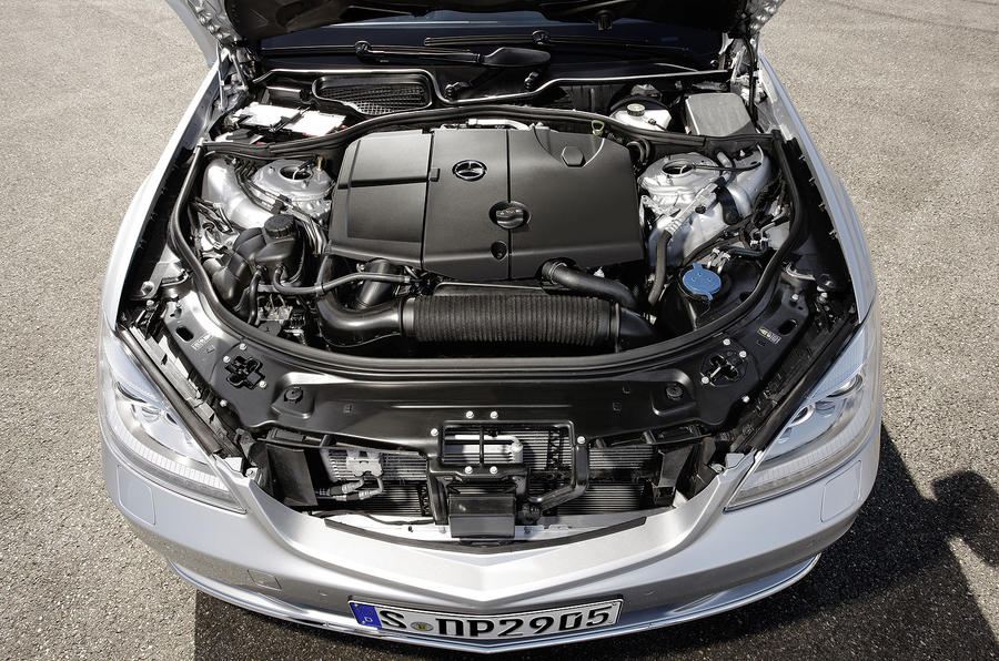 2.5-litre Mercedes-Benz S 250 CDI engine
