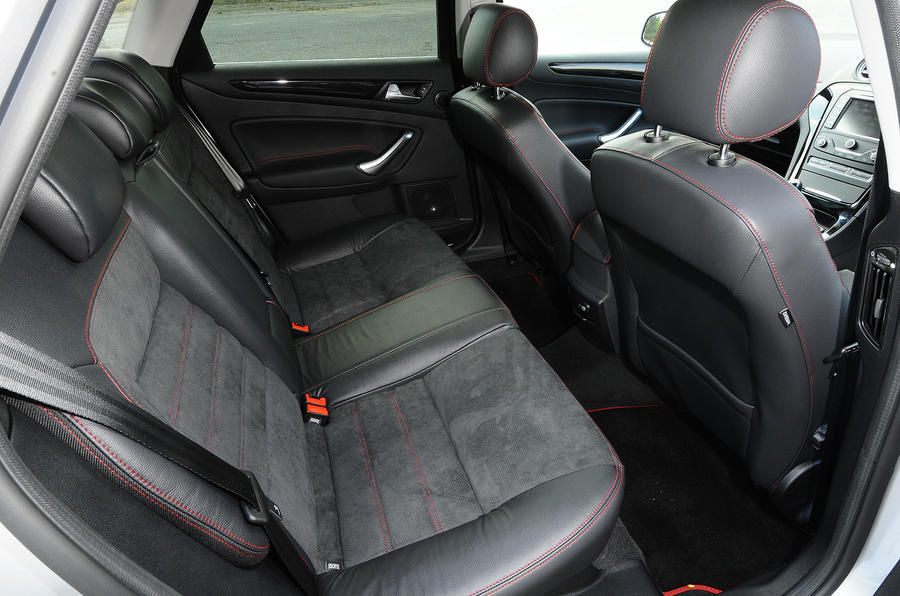 Ford Mondeo Titanium X Sport rear seats