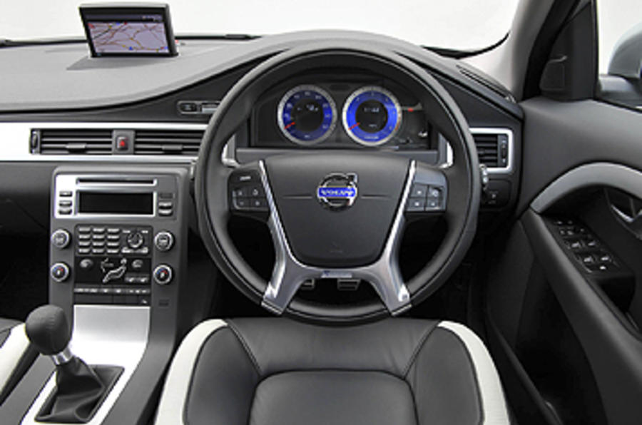 Volvo V70 dashboard