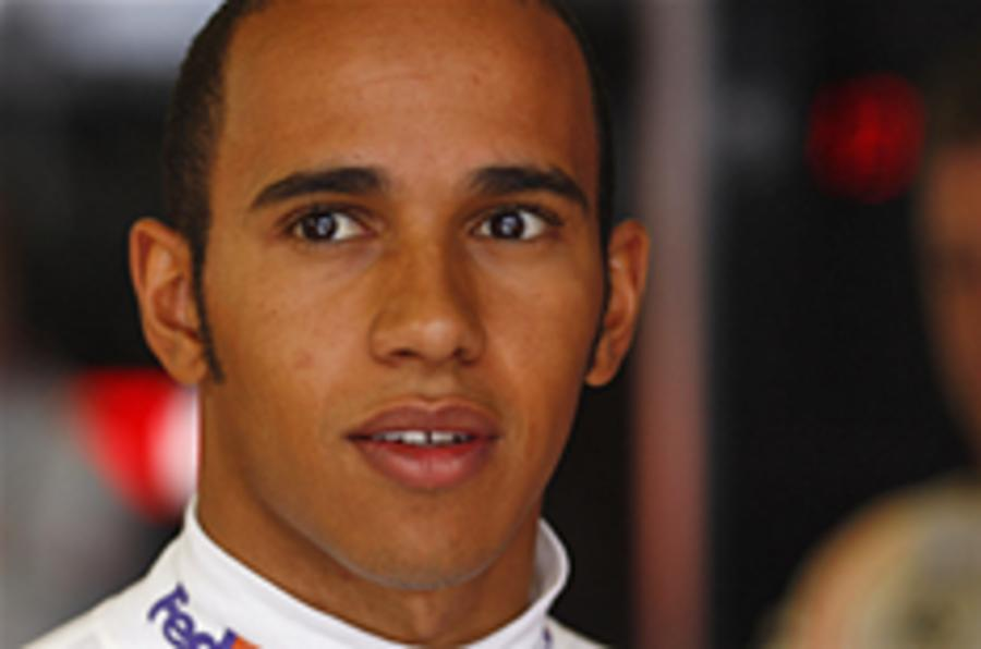 Hamilton takes Valencia pole