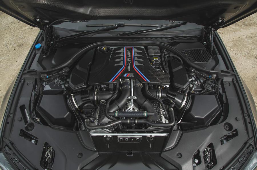 25 BMW M5 CS 2021 RT moteur