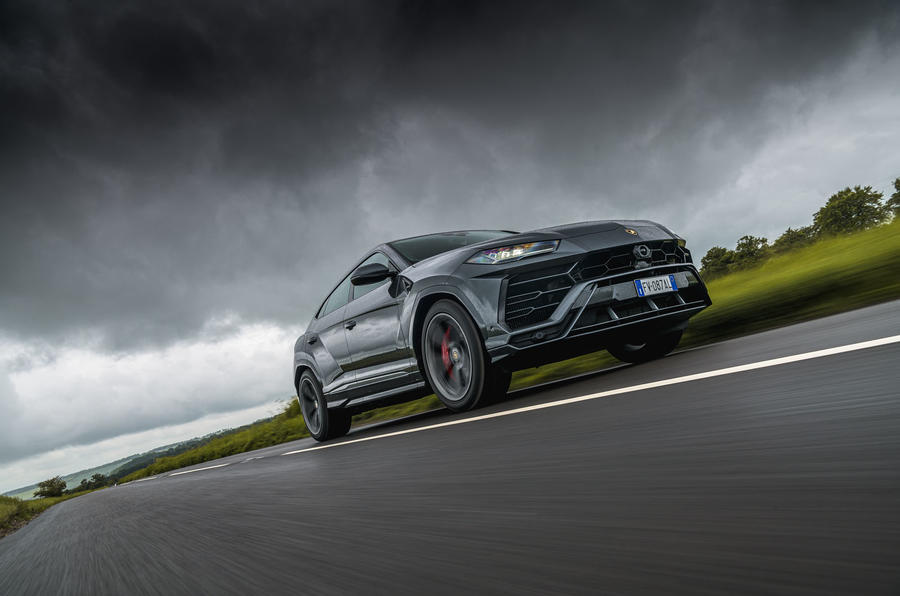 Lamborghini Urus 2019 road test review - on the road low