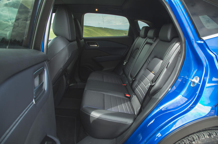 25 Nissan Qashqai 2021 RT sièges arrière