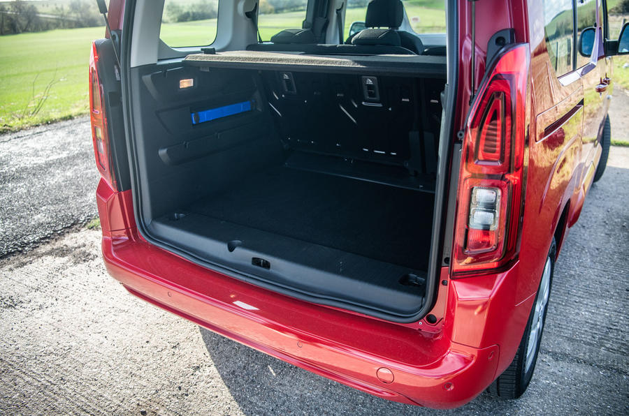 Vauxhall Combo Life 2018 road test review - boot
