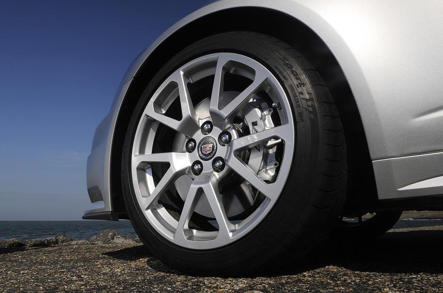 Cadillac CTS-V Coupe alloys
