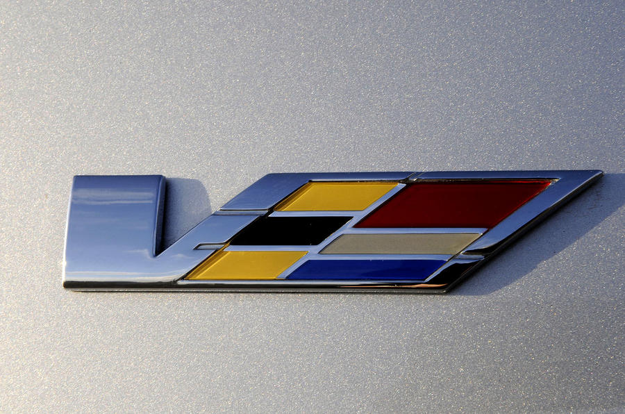Cadillac CTS-V Coupe badging