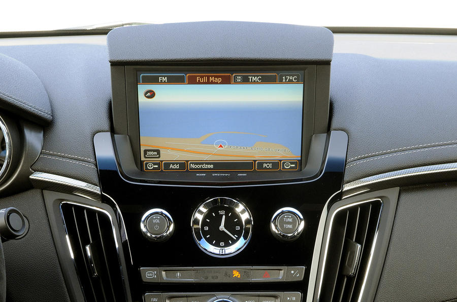 Cadillac CTS-V Coupe infotainment