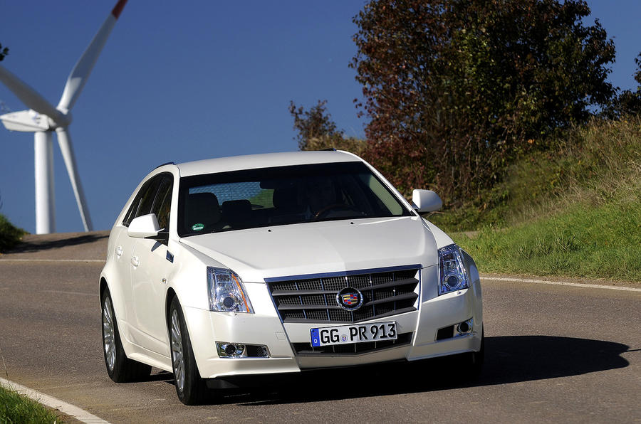 Cadillac CTS Sports Wagon cornering