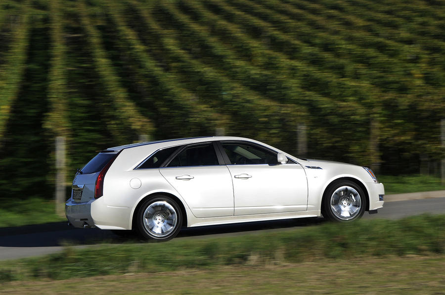 Cadillac CTS Sports Wagon side profile