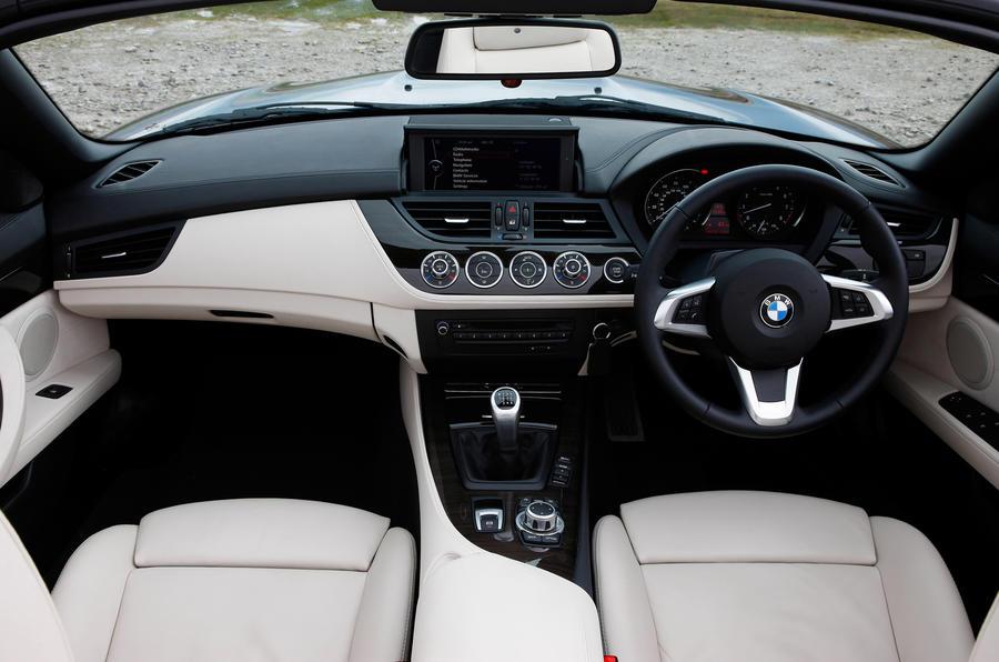 BMW Z4 sDrive28i interior