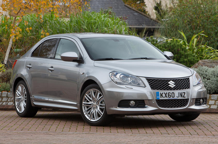 suzuki kizashi 2 4 sport saloon first uk drive. Black Bedroom Furniture Sets. Home Design Ideas