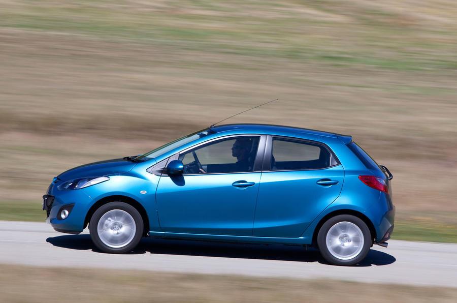 Mazda 2 1.5 TS2 side profile