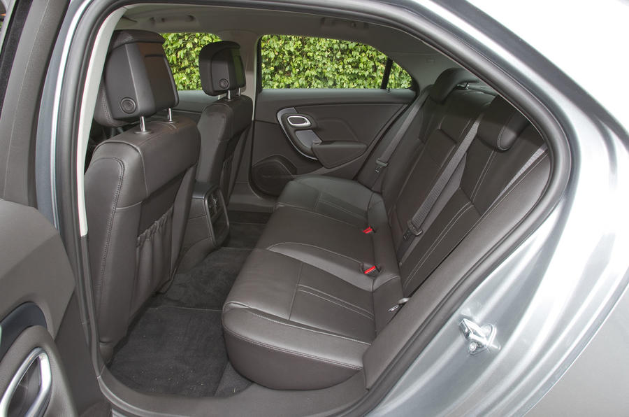 Saab 9-5 rear seats