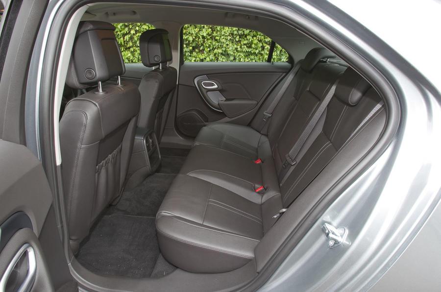 Saab 9-5 rear seats