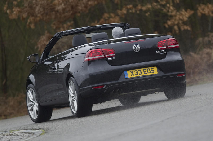 Volkswagen Eos rear cornering