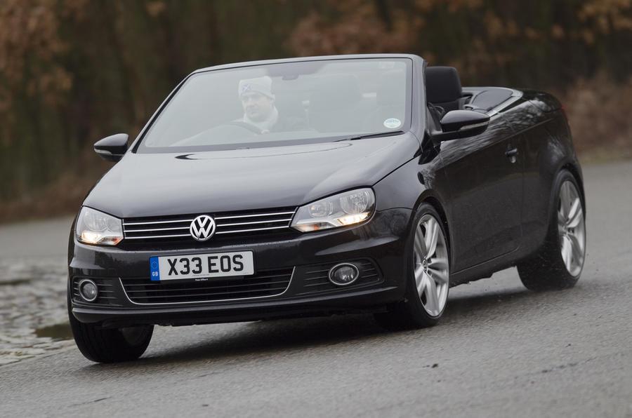 Volkswagen Eos cornering