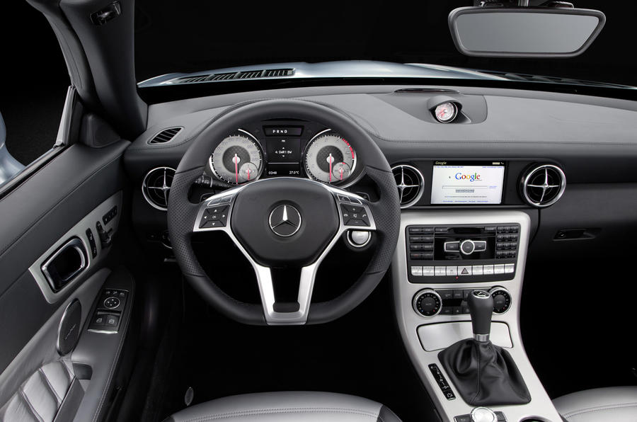 Mercedes-Benz SLK 250 dashboard