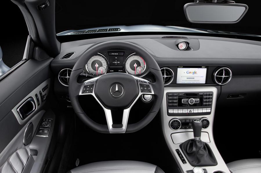 Mercedes-Benz SLK 250 dashboard