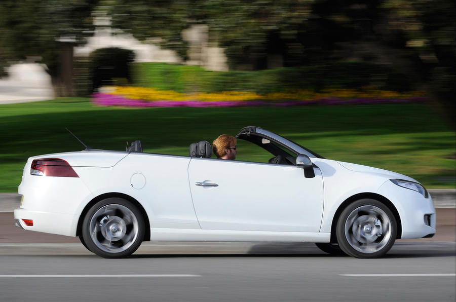 renault megane cc dci 160 review autocar. Black Bedroom Furniture Sets. Home Design Ideas