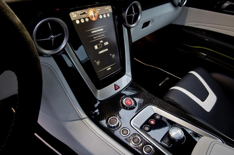 Mercedes-AMG SLS E-Cell centre console
