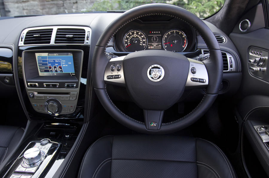 Jaguar XKR 75 dashboard