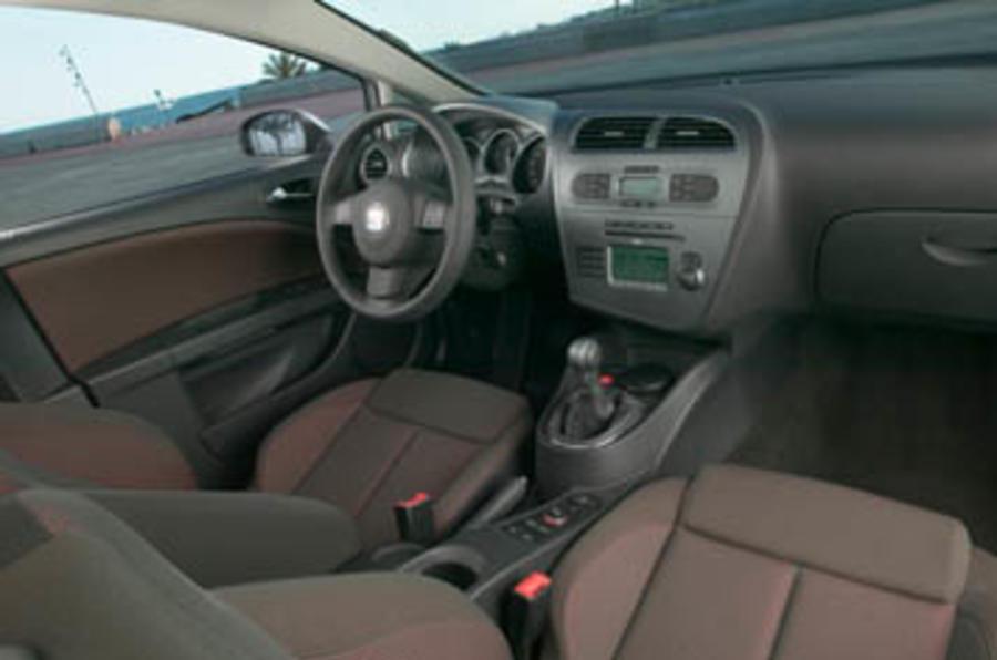Seat leon 2 0 fsi review autocar - Seat leon interior ...