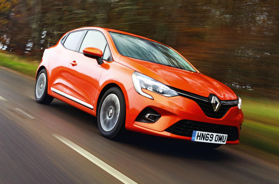 Renault Clio 2019 road test review - on the road
