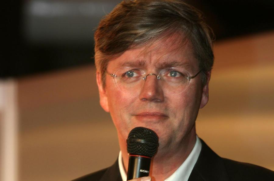 Saab 'won't go down' vows Muller