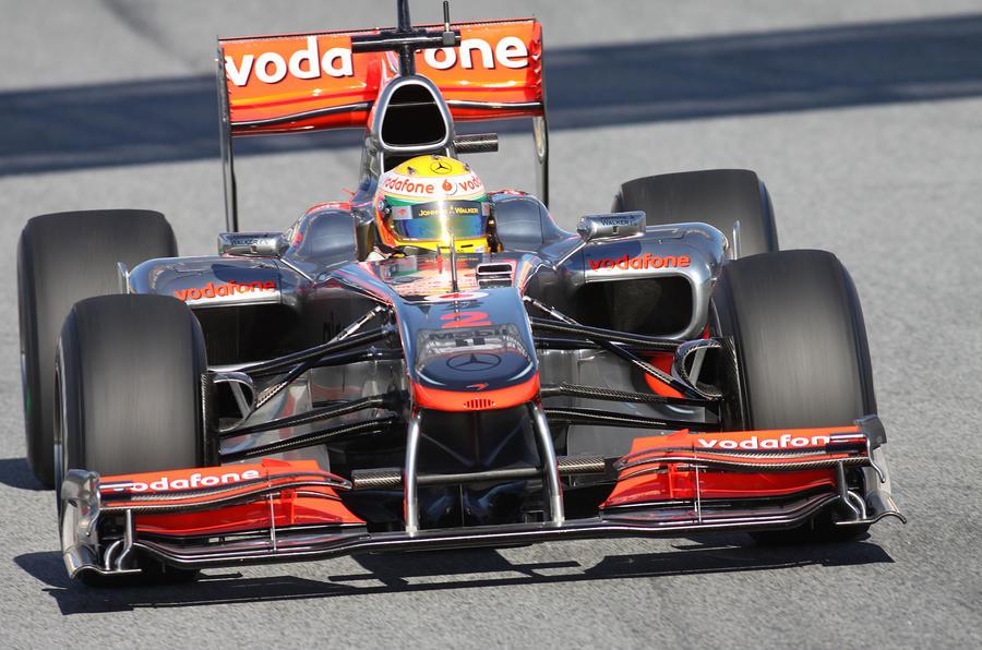 Hamilton tops Barcelona F1 test