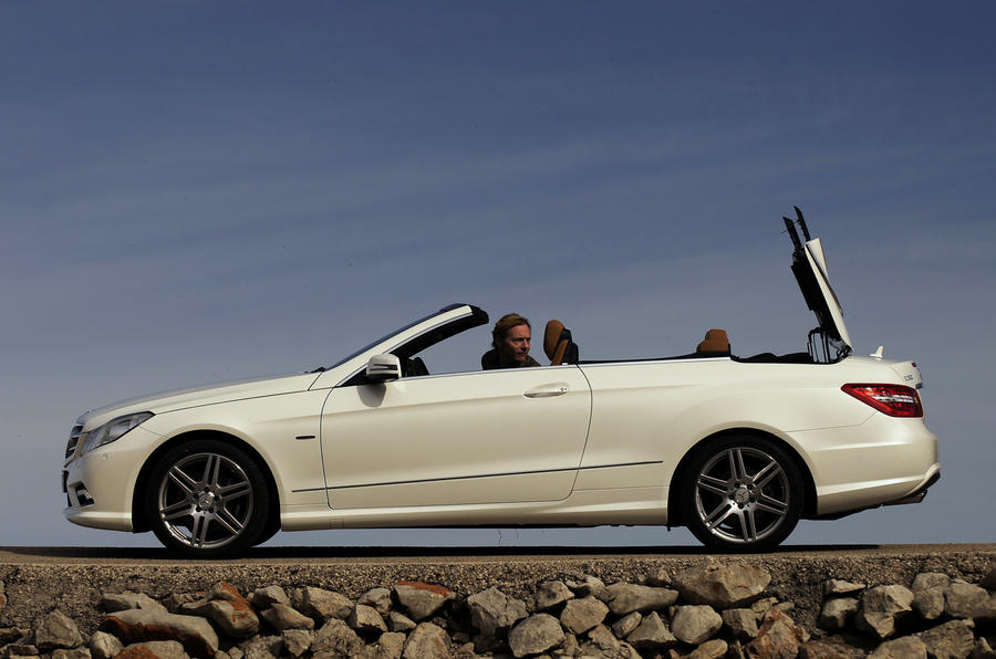 Mercedes-Benz E 350 CGI Cabriolet open roof