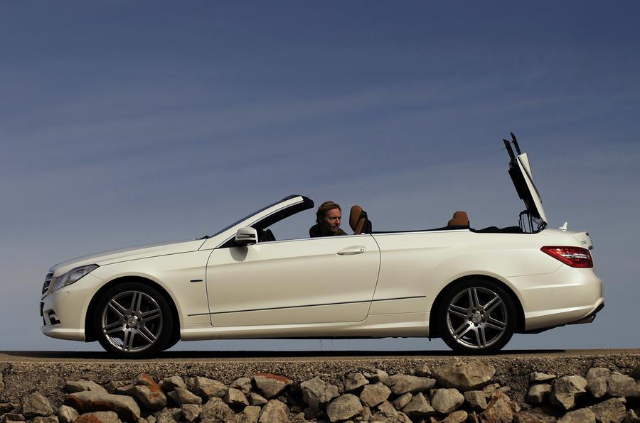 Mercedes-Benz E 350 CGI Cabriolet open roof