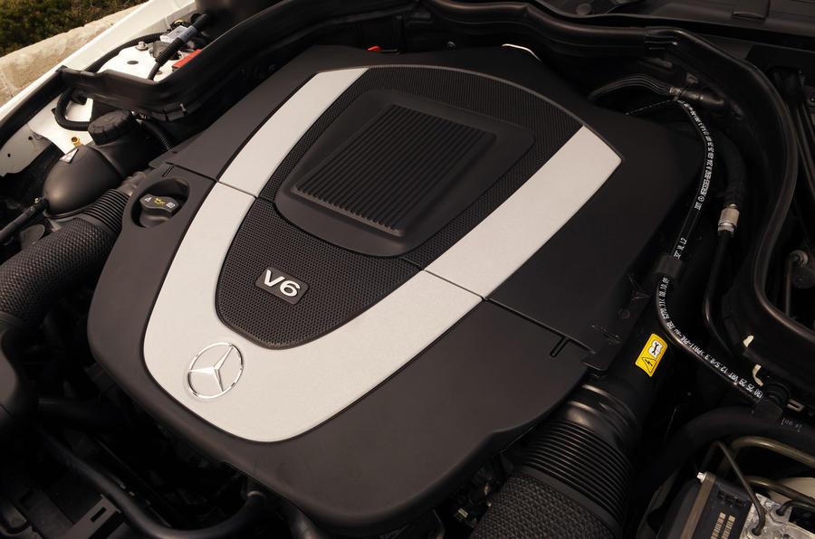 Mercedes-Benz E 350 CGI petrol engine