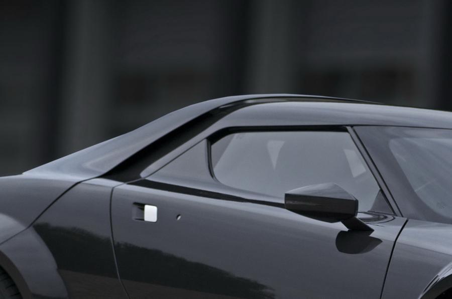 Lancia Stratos roofline