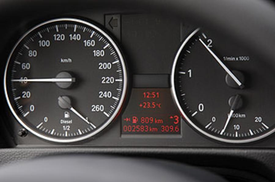BMW 320d instrument cluster