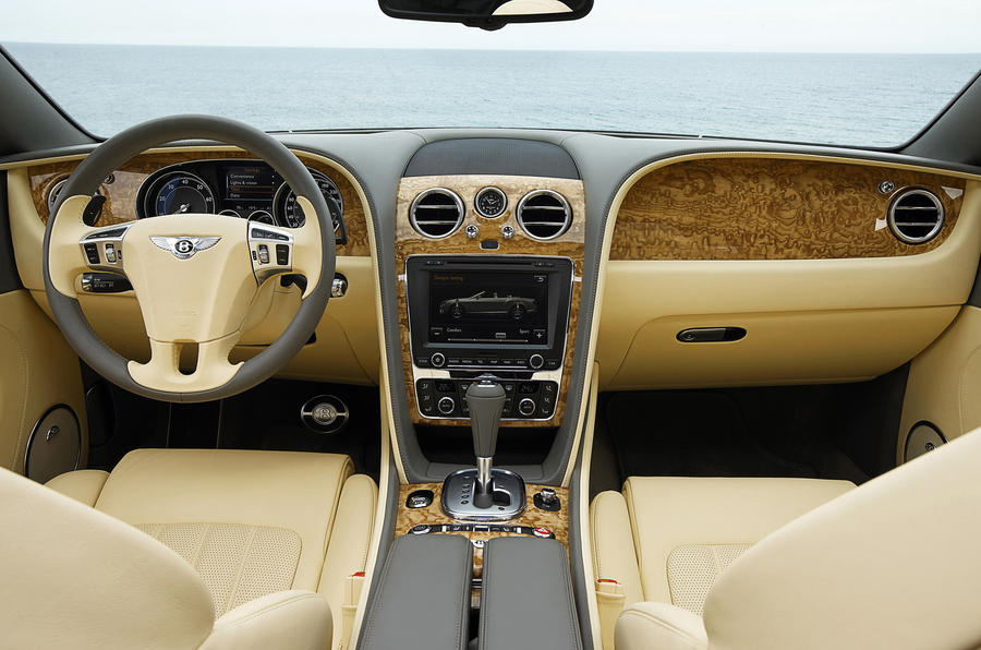 Bentley Continental GTC dashboard
