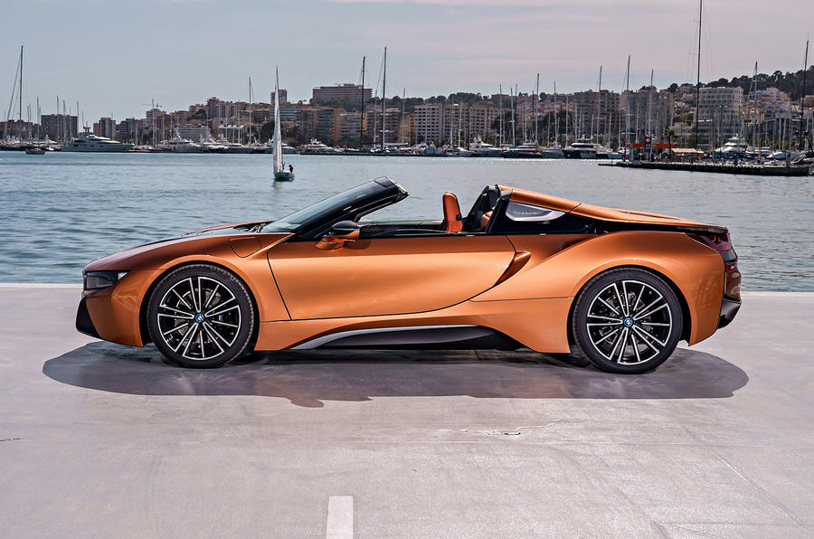 BMW i8 Roadster 2018 review static side