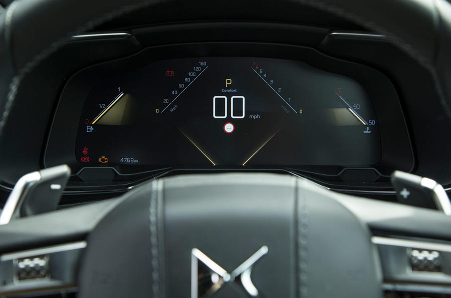 DS 7 Crossback 2018 road test review instrument cluster