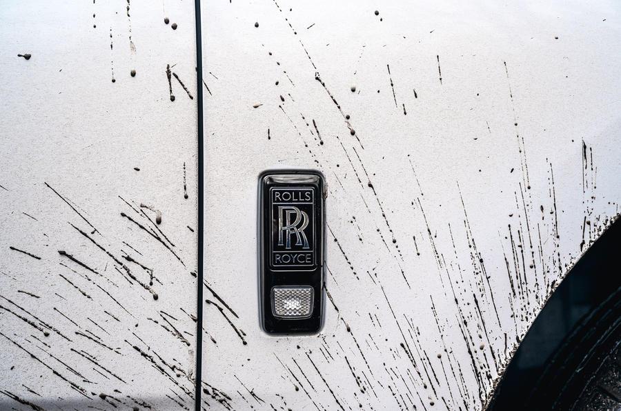 Rolls Royce Cullinan 2020 road test review - muddy badge