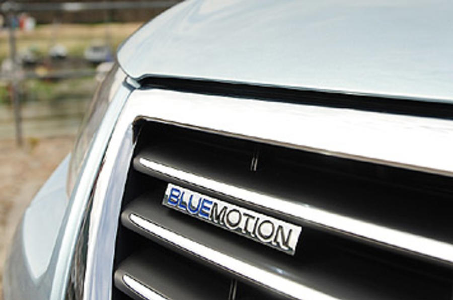 VW Passat Bluemotion 2 badging