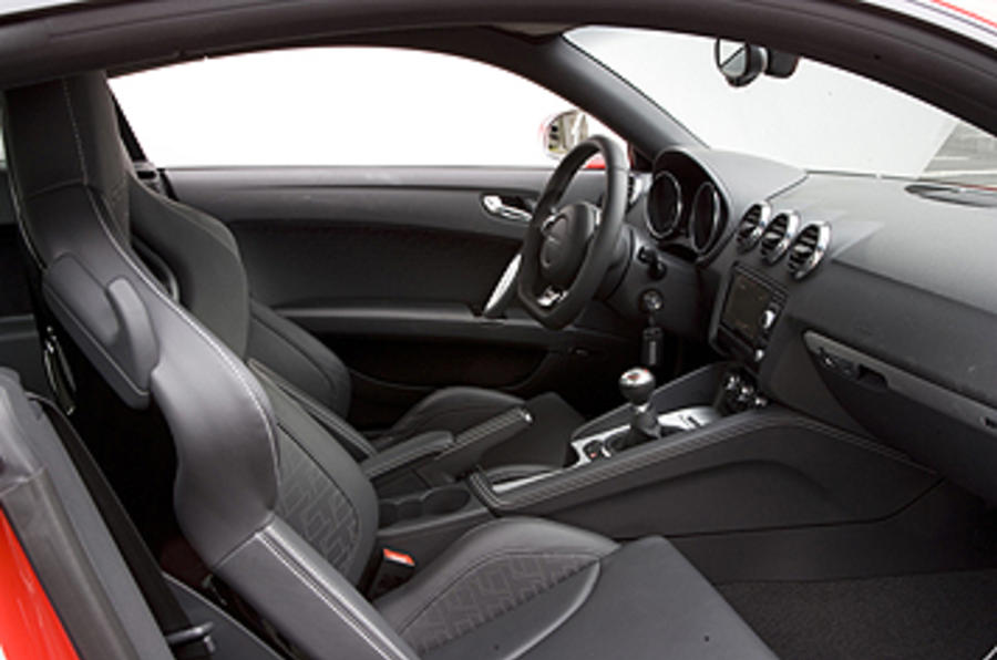 Audi TT RS 2.5 Coupe interior