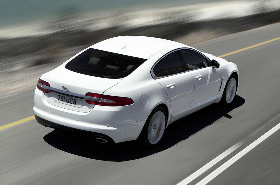 140mph Jaguar XF 2.2D Premium Luxury