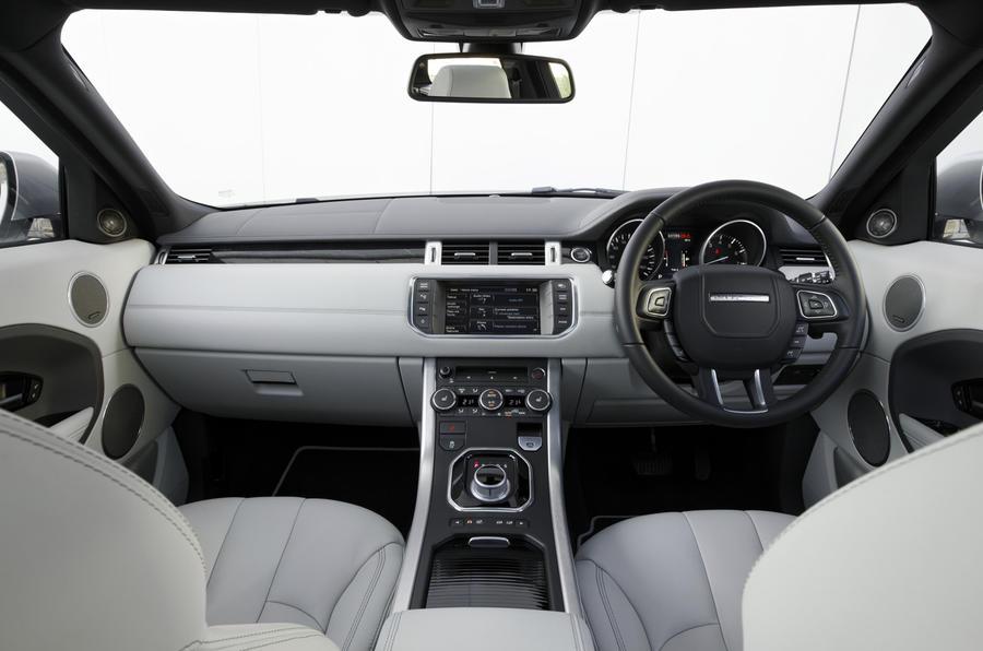 Range Rover Evoque Si4 dashboard