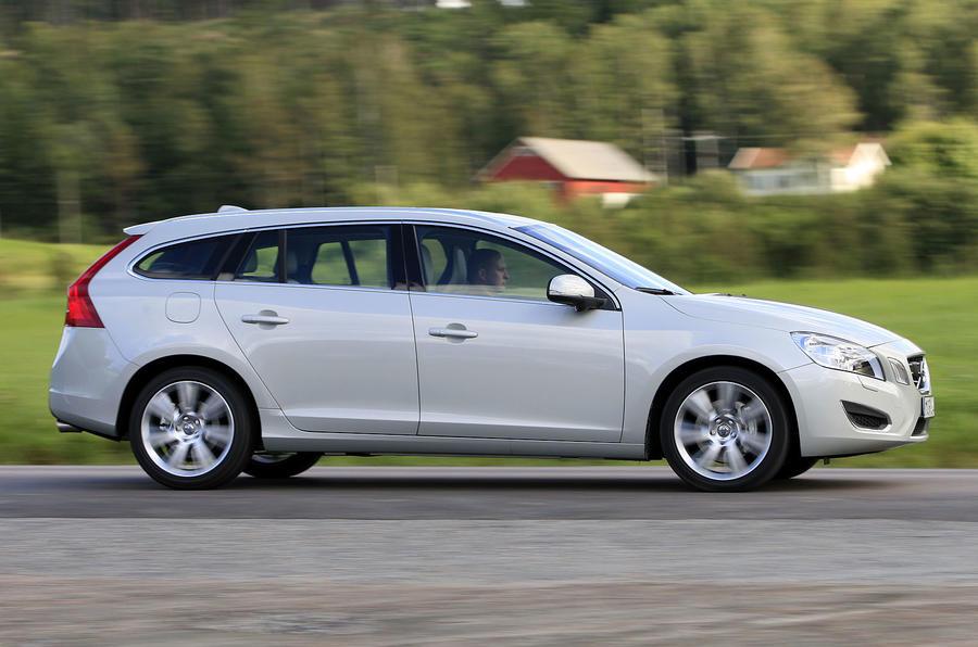 £35,400 Volvo V60 D5 AWD