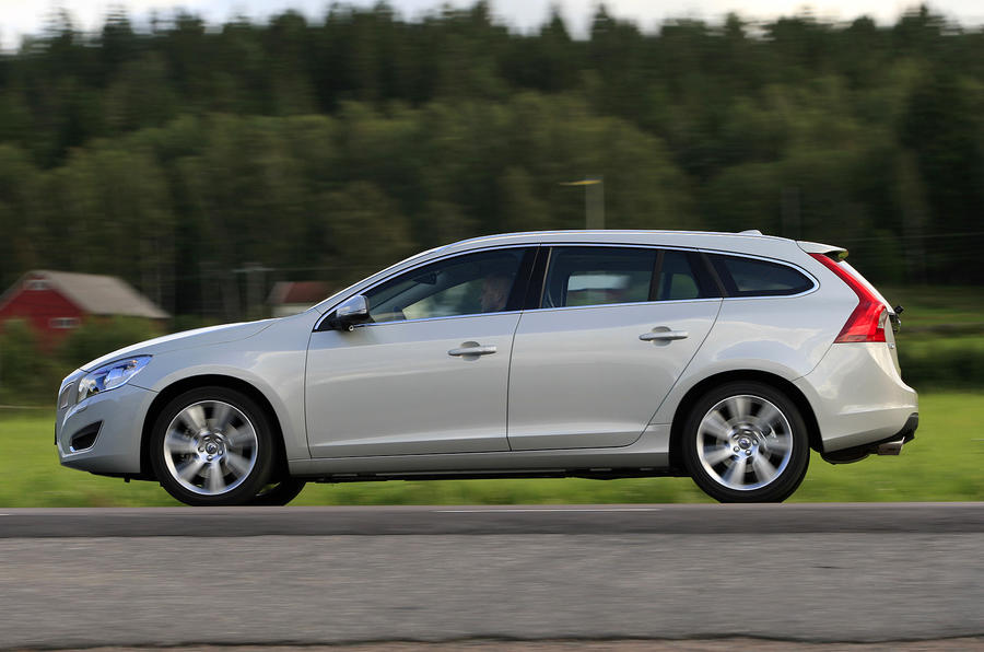Volvo V60 D3 SE side profile