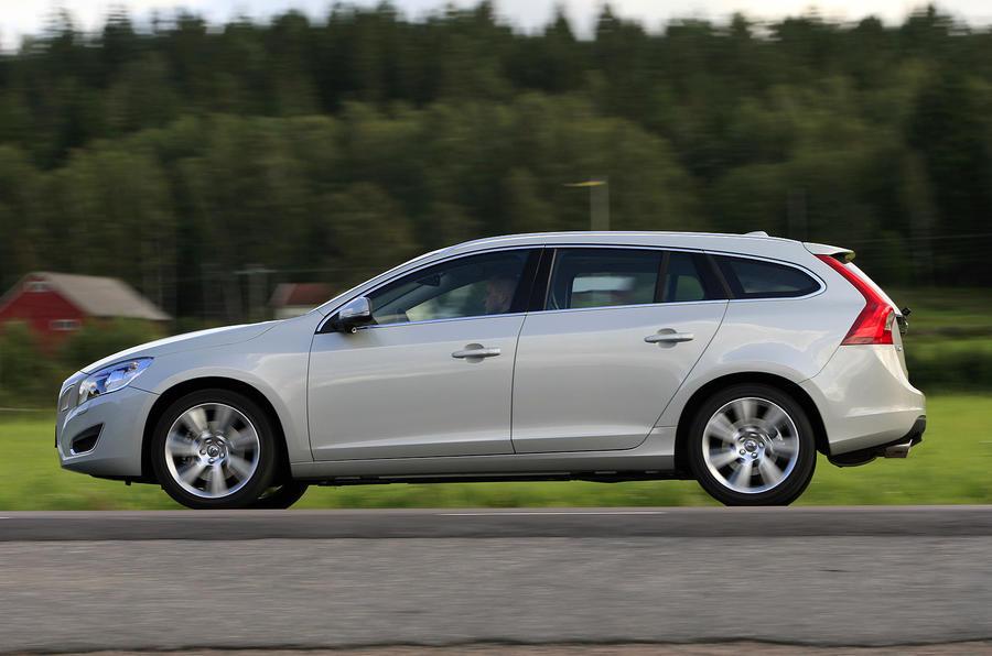 Volvo V60 D3 SE side profile