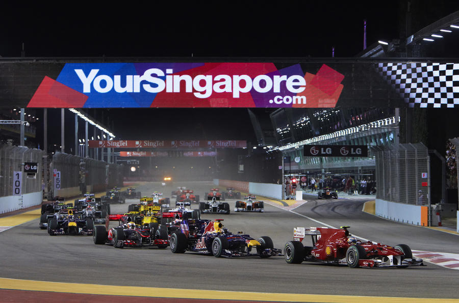 Alonso wins Singapore Grand Prix