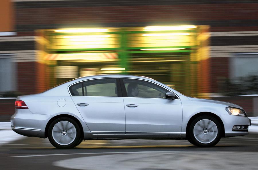 VW Passat 1.8 TSI side profile