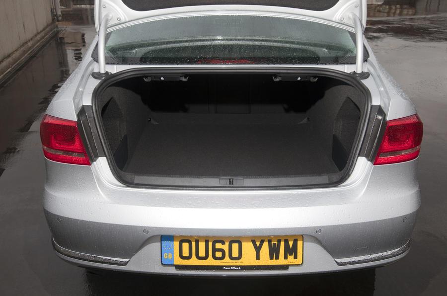 VW Passat 1.8 TSI boot space