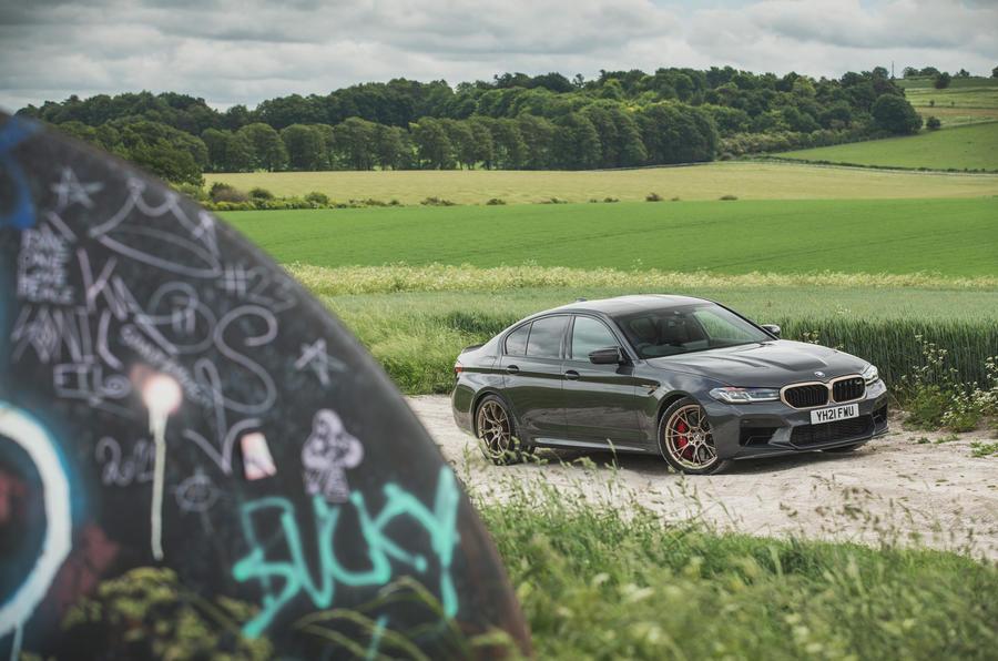 28 BMW M5 CS 2021 RT statique
